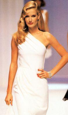 Karen Mulder - Valentino 1995