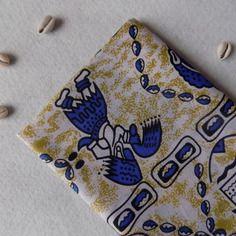 Coupon tissu wax pagne motif ethnique bleu