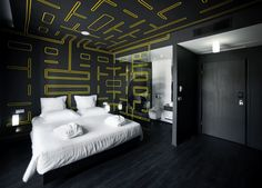 Pac-Man Hotel /  wallpaper and glass graphics