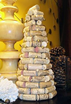 Wine Cork Christmas Tree [ CLICK HERE! ] citywinecellar.com #DIY #cellar #wine #quality #experience