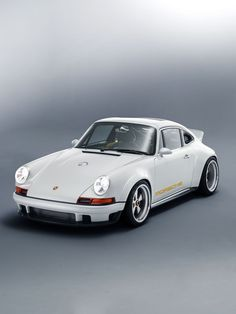 Singer and Williams's Wildly Reimagined Porsche 911 Is Beyond Incredible cars luxury cars automotive supercars classic cars car scene car shows car style car spot german cars Porsche Classic, Classic Cars, Porsche 911 Targa, Carros Porsche, Porsche Carrera, Porsche Mission E, Singer 911, Porsche 911 Singer, Porche Car