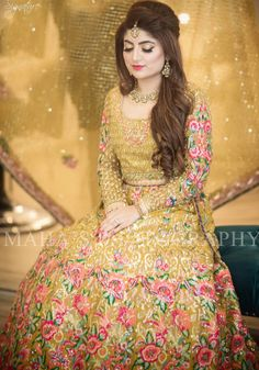 Beautiful bridal lahnga in Mahndi green color in Elegant style embellished with fine embroidery work and unique style for bride. Buy Online in USA. Pakistani Bridal Hairstyles, Lehenga Hairstyles, Bridal Hairstyle Indian Wedding, Pakistani Bridal Makeup, Asian Wedding Dress, Bridal Hairdo, Pakistani Wedding Outfits, Bridal Outfits, Bridal Lehenga