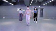 Girl Dance Video, Hip Hop Dance Videos, Dance Moms Videos, Dance Music Videos, Dance Choreography Videos, Cool Dance Moves, Lets Dance, Baile Hip Hop, Nail Printer