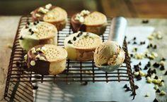 Pensamos en una galleta rellena de dulce y glaseado de azúcar… Entonces Sinfonía lo hizo postre, Sinfonía Alfajor