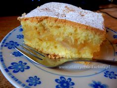 Ciasto ucierane z jabłkami • Chaotyczna KuchniaChaotyczna Kuchnia Marzipan, Baking Recipes, Cake Recipes, Polish Desserts, Tasty, Yummy Food, Party Buffet, Vanilla Cake, Baked Goods