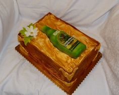 Cake - Stará myslivecká bottle of alcohol in gift box, all meals - torta fľaša alkoholu v darčekovej krabici, všetko jedlé