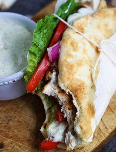 Easy Chicken Gyros & Tzatziki Sauce | comefeedme