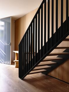 Image 13 of 29 from gallery of Fairbairn House  / Inglis Architects. Photograph by Derek Swalwell