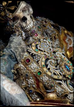 Dripping with gold and jewels... St Valentinus in Waldsassen
