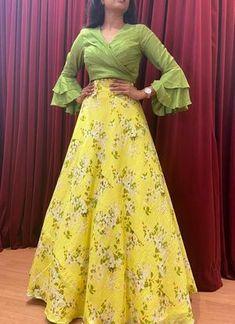 Party Wear Indian Dresses, Designer Party Wear Dresses, Indian Gowns Dresses, Indian Fashion Dresses, Indian Designer Outfits, Indian Outfits, Lehenga Crop Top, Floral Lehenga, Lehenga Gown