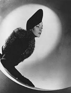 Elsie de Wolfe, actress, interior designer, style icon. b.1859 - d.1950