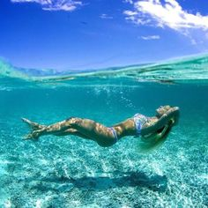Surfing holidays is a surfing vlog with instructional surf videos, fails and big waves Underwater Photos, Underwater World, Underwater Photography, Under The Water, Summer Pictures, Beach Pictures, Photo Bleu, Surfer, Photos Voyages