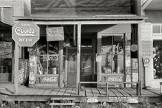 "September ""Storefront in Altheimer, Arkansas."" - Shorpy Historical Photo Archive :: Beware of Cat: 1938 Old General Stores, Old Country Stores, Country Life, Old Pictures, Old Photos, Vintage Photographs, Vintage Photos, Coca Cola, Shorpy Historical Photos"