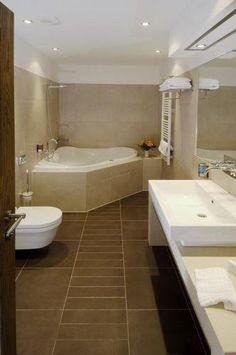 pattern of tile on bathroom floor