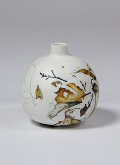 (Australia) Ceramic Pottery by Tania Rollond. 44x60cm