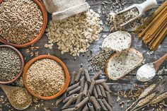 Fiber from whole grains is good for you, but a lot of men don't get enough. Here are 8 healthy whole grain foods to add to your diet. Mind Diet, Sugar Consumption, Grain Foods, Healthy Aging, Gluten Free Diet, Paleo Diet, Low Carb Diet, Gluten Free Foods, Whole Foods