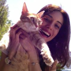 Cansu Dere Celebrities With Cats, Turkish Beauty, Poses, Actors & Actresses, Instagram, Photo And Video, Photography, Beautiful, Istanbul