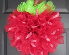 Red Apple Spiral Deco Mesh Wreath with Polka Dot/Stripe Ribbons, School Teacher Principal Appreciation Gifts, Classroom Decorations Classroom Wreath, Teacher Wreaths, School Wreaths, Classroom Decor, Apple Decorations, School Decorations, Cute Crafts, Creative Crafts, Kids Crafts