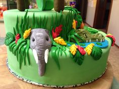 Missing side of Katy Perry Roar cake Katy Perry Birthday, Birthday Parties, Birthday Cakes, Birthday Ideas, Sweet Sixteen, Evie, Cake Ideas, Cake Decorating, Birthdays