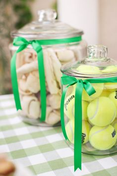 Dogs Playful Doggy Picnic Party - jars of tennis balls and bones - A dog Party picnic with a bone-shaped cake, green gingham linens, paper straws Milkbone-topped peanut butter and carrot 'pupcakes' for the (canine) guests Dog Themed Parties, Puppy Birthday Parties, Puppy Party, Birthday Treats, Dog Parties, Birthday Ideas For Dogs, Party For Dogs, 4th Birthday, Birthday Cakes