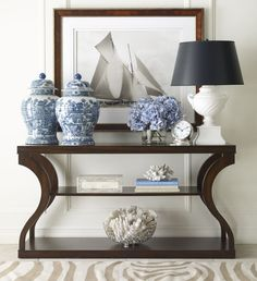 Inspiring Entryway Console Tables Ideas 7 - Home Interior and Design Decoration Hall, Entryway Console Table, Console Tables, Hallway Lamp, Foyer Tables, Table Lamps, Chinoiserie Chic, Plywood Furniture, White Furniture