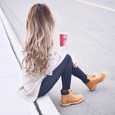 Morning coffee running outfit timberland, women's timberland boots, outfit with timberlands, timberlands women Timbs Outfits, Legging Outfits, Mode Outfits, Casual Outfits, Fashion Outfits, Outfit With Timberlands, Timberlands Women, Fashion Pants, Swag Fashion
