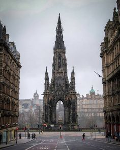 Scott Monument ☕❤☕ Edinburgh Congrats Use Places Around The World, Oh The Places You'll Go, Places To Travel, Places To Visit, Scott Monument, Magic Places, Scotland Travel, Scotland Vacation, Visiting Scotland