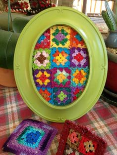 Frame your Grannies {just add a little quilt batting to puff them up and there you have it} Fiddlesticks - My crochet and knitting ramblings.