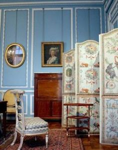 Recreation of a Rococo styled salon, City Museum of Paris .Iconic Rococo decorative elements include the soft, pastel tones, mirror, delicat. Architecture Antique, French Architecture, Louis Xvi, Decoration, Art Decor, Louis Seize, Modern Interior, Interior Design, Classic Interior