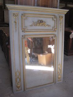 Antique French Trumeau Mirrors, Large Wall, Dresser, Oval and Vanity Mirrors for Sale Dream Furniture, Painted Furniture, Trumeau Mirror, Mirror Mirror, Antique Makeup Vanities, Antique Armoire, French Mirror, Mirrors For Sale, Vintage Mirrors