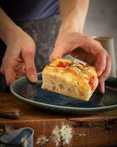 PŠENIČNO – RAŽNÝ KVÁSKOVÝ CHLIEB MEGAOKÁČ - Chuť od Naty How To Make Bread, Bread Making, Cheesesteak, Tacos, Pie, Ethnic Recipes, Desserts, Food, Basket