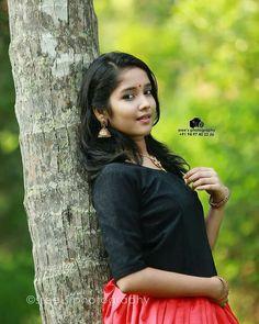 Anikha Surendran photoshoot stills by Sreekkuttan Sree photography. Malayalam actress Anikha Surendran latest photoshoot stills. Sweet Girl Photo, Beautiful Girl Photo, Beautiful Girl Indian, Beautiful Indian Actress, Beautiful Actresses, Beautiful Saree, Child Actresses, Indian Actresses, Child Actors