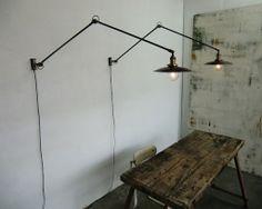 Wo & We Lampe murale potence pivotante industrielle articulée patinée noir & acier réflecteur gamelle ou elliptique au choix.
