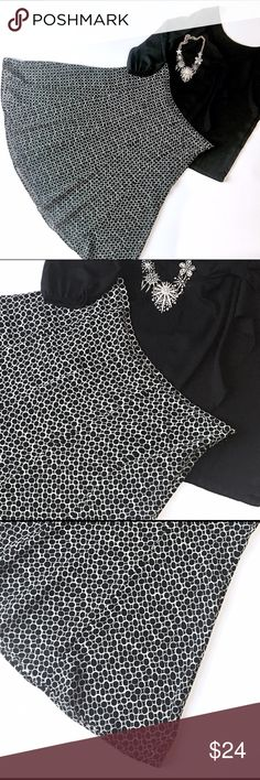 """Jones Wear flared skirt 27.5"""" in length, fully lined. Fun and flirty flare skirt, excellent condition. Side zip. Hook is missing for the hook closure. Add this to a bundle to save 15%. Jones New York Skirts A-Line or Full"""