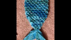Shop it here: like my faceook page: visit My etsy shop: ~~~~~~~~~~~ Fuente - Source Mermaid Tail Video 1 - cucoon/Blanket/outfit crochet English Encuentra todos Crochet Mermaid Tail Pattern, Mermaid Tail Blanket Pattern, Crochet Mermaid Blanket, Baby Afghan Crochet, Crochet Blanket Patterns, Baby Knitting Patterns, Crochet Shark, Kids Crochet, Afghan Patterns