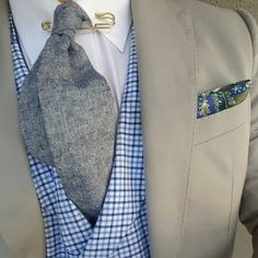 """Spero Accessories na Instagramie: """"In words are seen the state of mind and character and disposition of the speaker. (Plutarch) - Here I've modeled the: The """"Oliva"""" cotton pocket square, The """"Era"""" gold collar pin, The """"Elefthérosi"""" double sided neck tie, The """"Sang Tao"""" gingham Double breasted vest. - #WiseExplorersUrbanPoetsCulturedNomads #SperoAccessories #ThePhilosophyOfAModernDandy"""""""