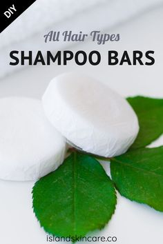 Looking for a shampoo bars recipe without any lye inside? We got a great recipe for you without any lye, only natural ingredients and super easy to make. let's not forget that it would be amazing for your hair since it's all natural! How To Make Shampoo, Diy Shampoo, Homemade Shampoo, Solid Shampoo, Shampoo Bar, Homemade Conditioner, Natural Shampoo Recipes, Natural Soaps, Homemade Facials
