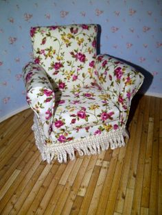 Thatch Cottage: A Comfy Chair Tutorialminiaturas