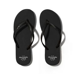 Abercrombie & Fitch Rubber Flip Flops ($11) ❤ liked on Polyvore featuring shoes, sandals, flip flops, sapatos, flats, pure black, flat shoes, rubber shoes, black flat shoes and black flip flops