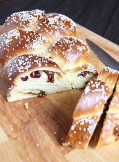 I love making these kinds of breakfast breads, leaving them on the kitchen counter and lettin...