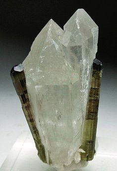 Elbaite on Quartz Crystals Minerals, Rocks And Minerals, Crystals And Gemstones, Stones And Crystals, Cool Rocks, Mineralogy, Elements Of Design, Rocks And Gems, Gem Stones