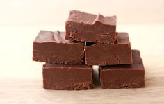 I have two yummy recipes to share with you today! One involves chocolate, the other cheese. Hey, I never said they were healthy recipes. Yummy, people, yummy. Carnation recently sent me a $50 gift card for groceries and some free Evaporated Milk to try in a few recipes. The