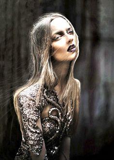 Dark lips+ Sparkle = fave