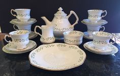 Royal Tara TRELLIS SHAMROCK Luncheon Bone China Tea Set 23 Pieces