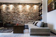 Ściana z cegieł + oświetlenie