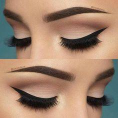 10 Hottest Eye Makeup Looks – Makeup Trends: Natural Smokey Eye with Thick Eyeliner Makeup Goals, Love Makeup, Makeup Inspo, Beauty Makeup, Perfect Makeup, Gorgeous Makeup, Elegant Makeup, Makeup Style, Makeup Kit