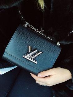 Louis Vuitton Twist <3 ETOILE LUXURY VINTAGE