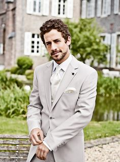 linen suit for the groom | Harwell Photography #wedding | Bow Ties ...