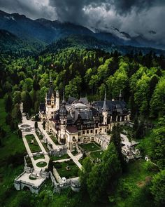 Peles Castle in Sinaia, Romania. Built by Romanian king Carol I in late – early century the castle looks more like a palace. Beautiful Castles, Beautiful Buildings, Beautiful Architecture, Beautiful Places To Visit, Wonderful Places, Places To Travel, Places To See, Time Travel, Travel Trip