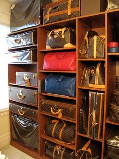 In LVoe with Louis Vuitton: Louis Vuitton is the world's most valuable luxury brand and is a division of LVMH. Lv Handbags, Louis Vuitton Handbags, Fashion Handbags, Fashion Bags, Vuitton Bag, Designer Handbags, Men's Fashion, Louis Vuitton Trunk, Vintage Louis Vuitton